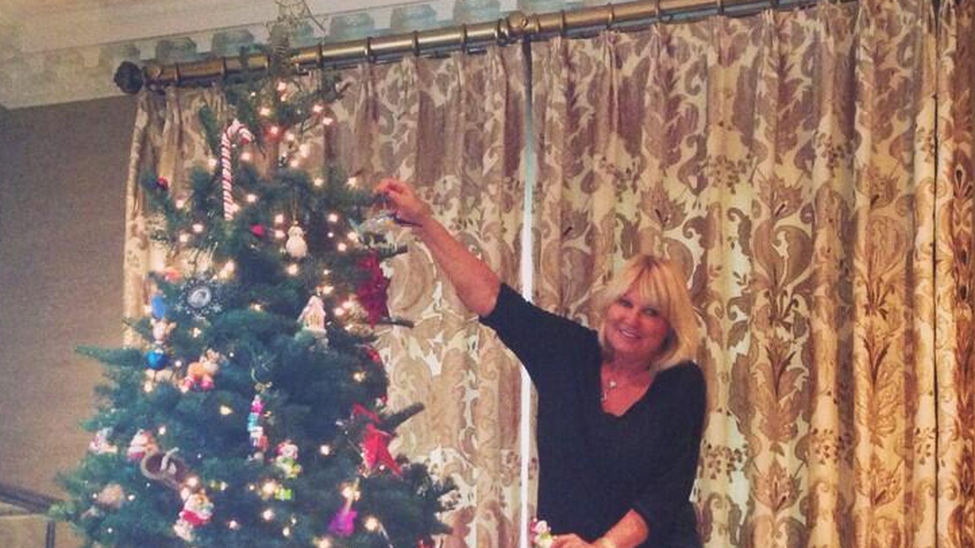 riesig heidi klum zeigt ihren weihnachtsbaum. Black Bedroom Furniture Sets. Home Design Ideas