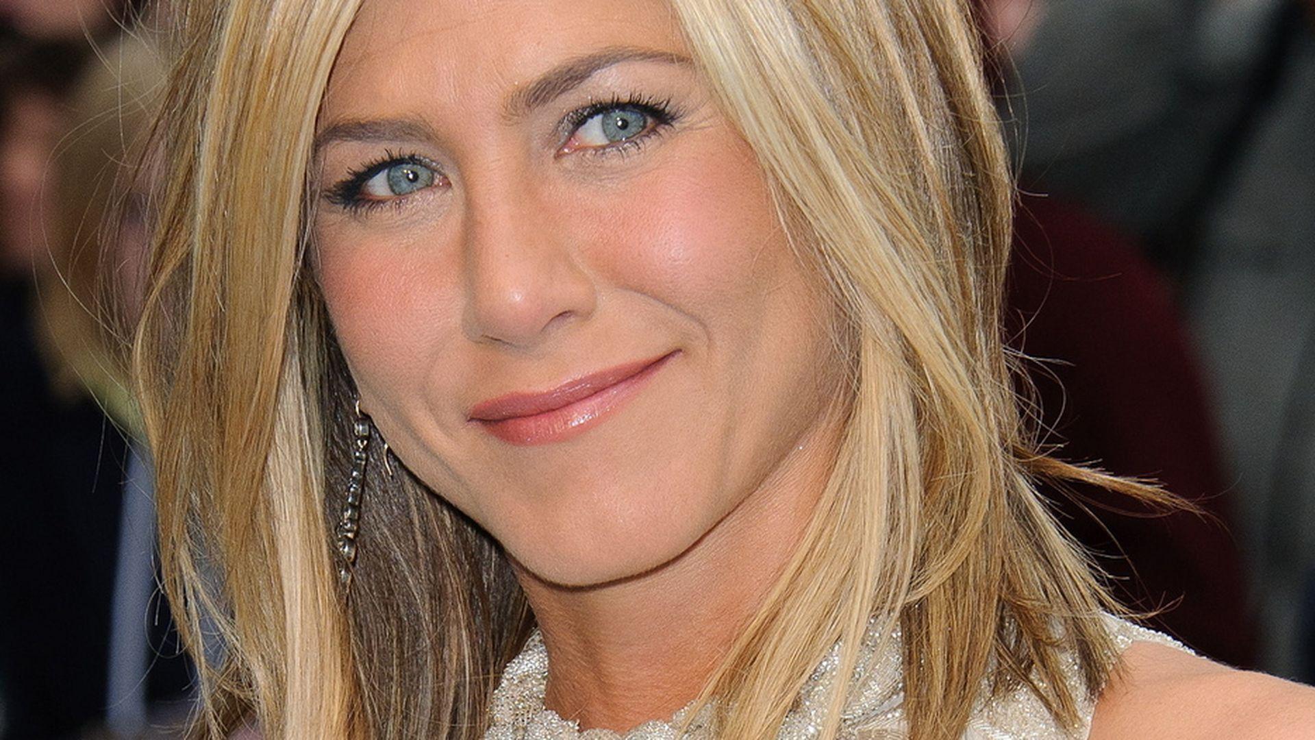 Jennifer Aniston Deswegen Schnitt Sie Ihre Haare Promiflash De
