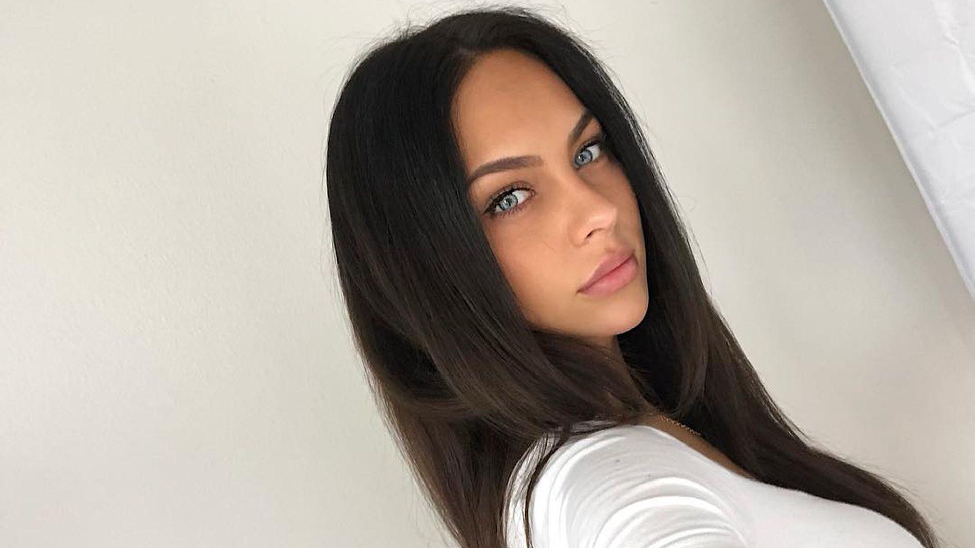 Netz-Tribute: Kasia Lenhardts Fans trauern auf Social Media - Promiflash.de
