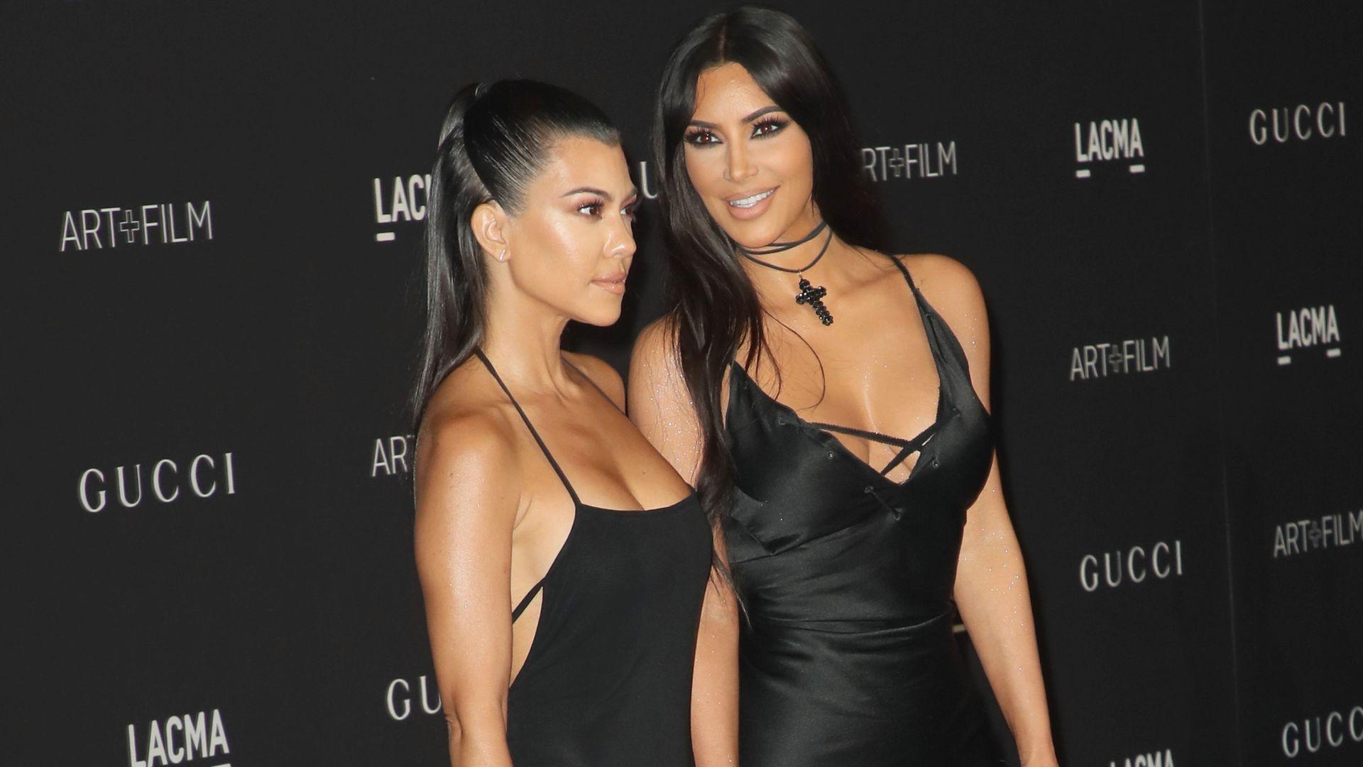 Unerhört! Kim Kardashian unterbricht Kourtney im Interview - Promiflash.de