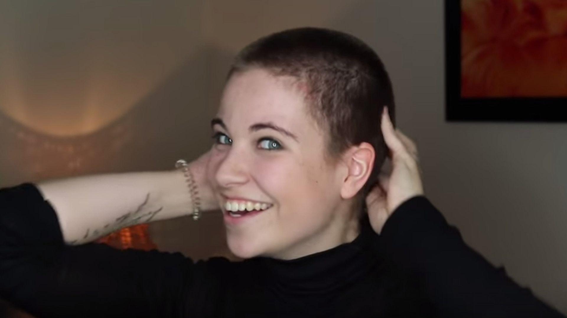 Mutig Melina Sophie Rasiert Ihre Langen Haare Einfach Ab
