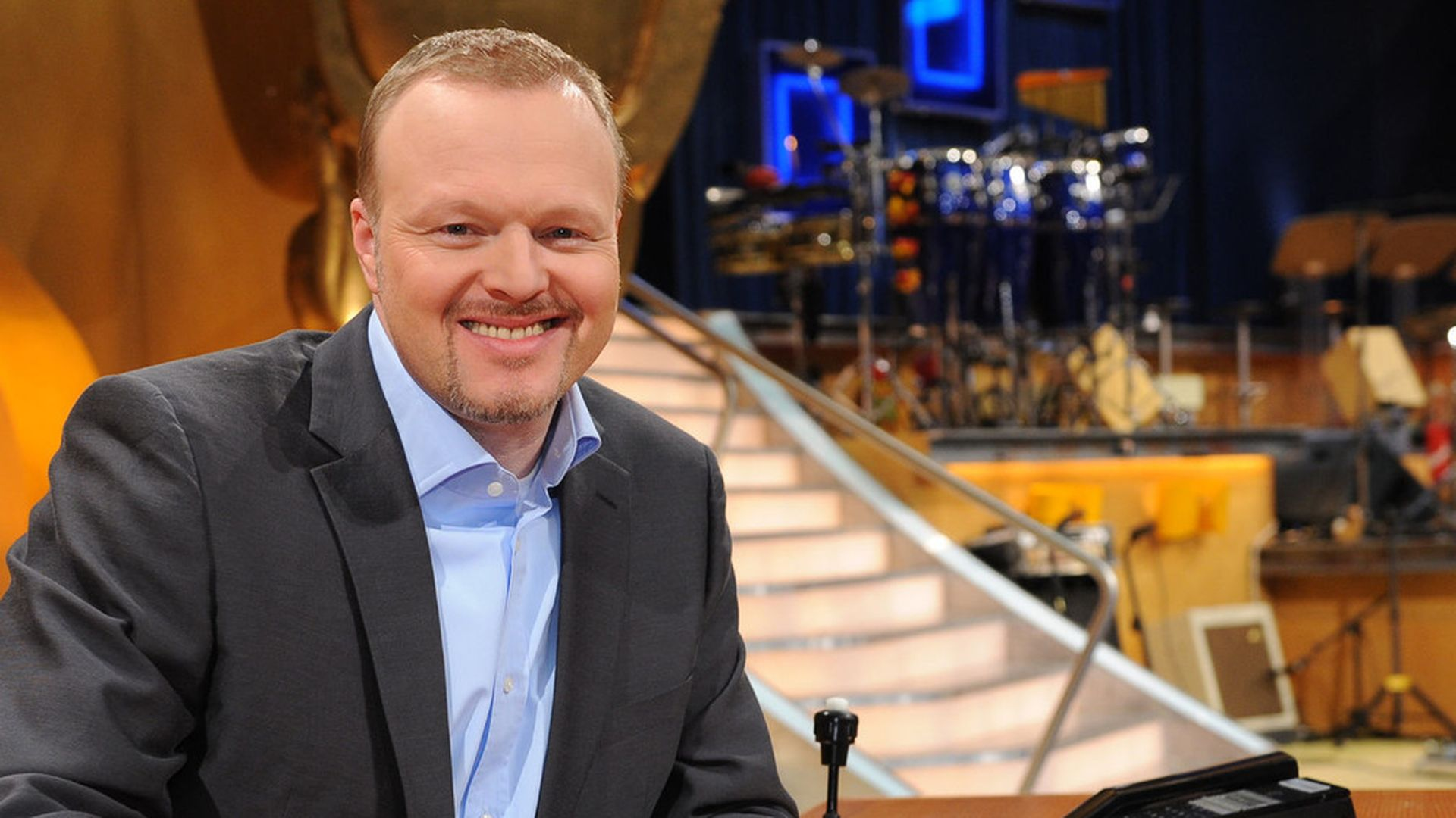 trauriger tv total abschied stefan raab vergie t tr nen. Black Bedroom Furniture Sets. Home Design Ideas
