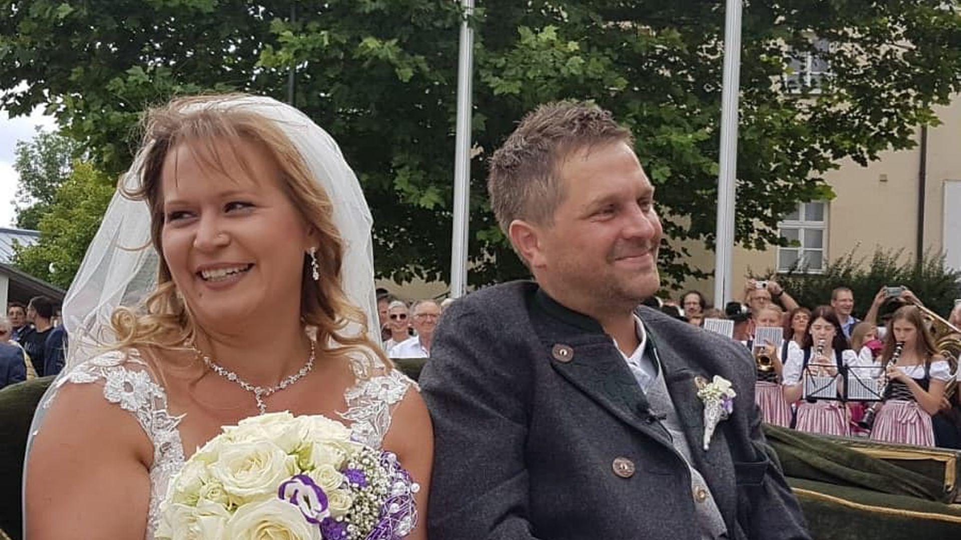 So War Bauer Sucht Frau Stephan Und Steffis Hochzeitstag Promiflash De