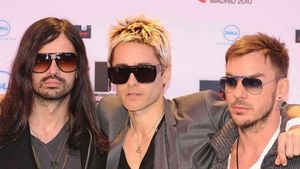 Krass! 30 Seconds to Mars ziehen in den Krieg