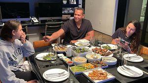 Leere Teller: Vermissen A-Rod und Töchter J.Lo beim Dinner?