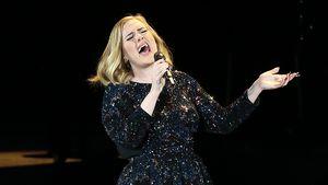 Adele bei einem Auftritt in der Arena Verona in Italien 2016