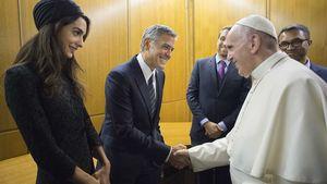 Glamour im Vatikan: George & Amal Clooney treffen den Papst