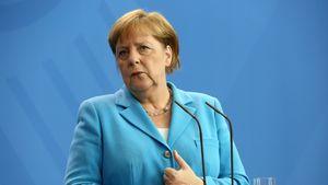 Erneutes Zittern: Was ist mit Kanzlerin Angela Merkel los?