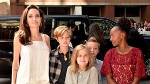 Mit ihren Kindern: Angelina Jolie begeistert auf Red Carpet!