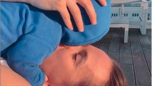 Süßes Babylachen: Anna Hofbauer teilt Kuschel-Clip mit Leo