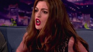 Anne Hathaway rappt wie Lil' Wayne