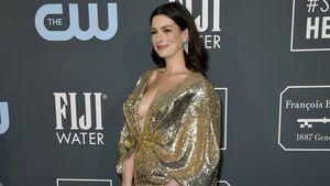 Anne Hathaway feiert ersten Red-Carpet-Auftritt nach Geburt!