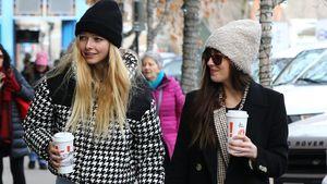 Patchworkglück: Chris Martins Tochter und Dakota haben Spaß