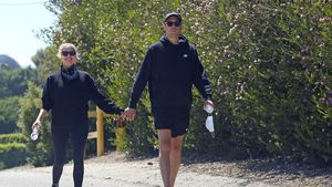 Total verliebt! Ashley Benson und G-Eazy Hand in Hand