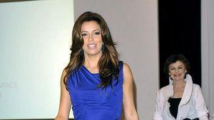 Stars wie Eva Longoria Parker machen blau