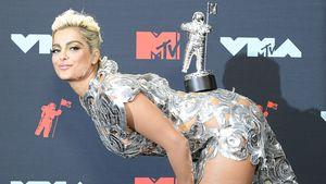 So kann man auch feiern: Bebe Rexha freut sich über VMA!