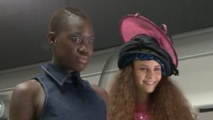 GNTM meets VL: Aminata & Betty rocken Soap-Catwalk