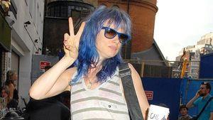 Juliette Lewis mit blauen Haaren!
