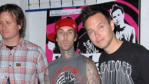 Travis Barker Not-OP: Blink182 canceln Tourdaten