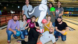 Bowling für guten Zweck: Promis schieben keine ruhige Kugel!