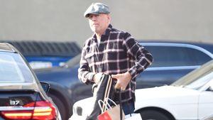 Selbst ist der Mann: Bruce Willis macht Weihnachtseinkäufe!