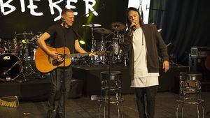 "Berlin-Highlight: Justin Bieber & Bryan Adams singen ""Baby""!"