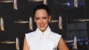 Carolin Kebekus: Ganz in Weiß zum Fernsehpreis
