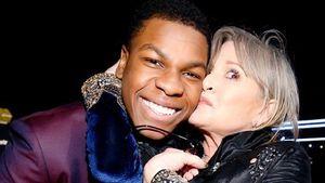 """""""Star Wars""""-Schauspieler John Boyega mit Carrie Fisher"""