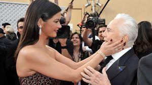 Catherine Zeta-Jones nimmt Abschied von Schwiegervater Kirk