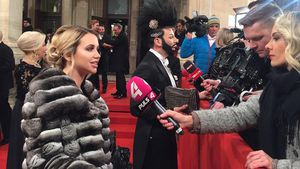 Fashion-Fauxpas beim Opernball: Pelz-Ärger für Cathy Lugner