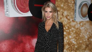 Schlabberlook: Ist das Burger-Model Charlotte McKinney?