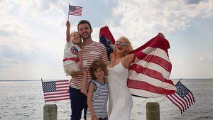 4th of July: So feierten Aguilera & Co. mit ihren süßen Kids