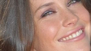 Evangeline Lilly gibt ihr letztes Hemd für einen guten Zweck