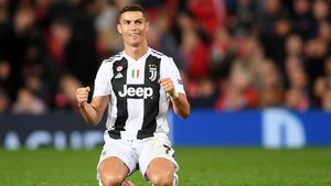100. Geburtstag: Cristiano Ronaldo gedenkt Nelson Mandelas!