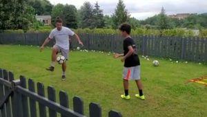 Süß! Hier kickt Ronaldo mit seinem Sohnemann Cristiano Jr.