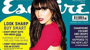 Hot! Daisy Lowe als halbnacktes Cover-Girl!