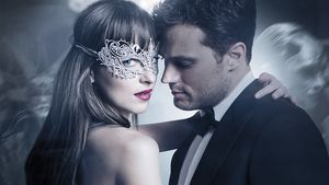 "akota Johnson als Anastasia Steele und Jamie Dornan als Christian Grey in ""Fifty Shades of Grey 2 -"