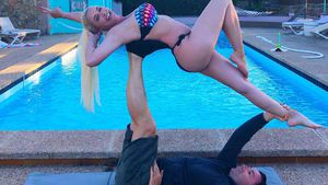 Heiß! Daniela Katzenberger und ihr Lucas machen Pärchen-Yoga