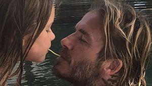 Supersüß: David & Harper Beckham machen Susi & Strolch nach!