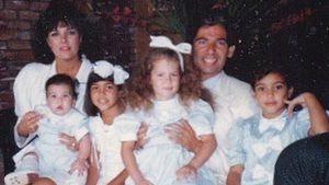 Mit Papa Robert: Kim Kardashian bezaubert mit Throwback-Foto