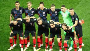 Freude nach Sieg: Kroatien-Kicker rennen Fotografen um!