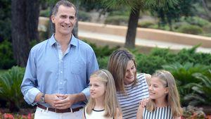 Die spanische Königsfamilie beim Marivent-Palast auf Mallorca