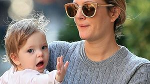 Süß! Drew Barrymores Töchterchen macht den E.T.