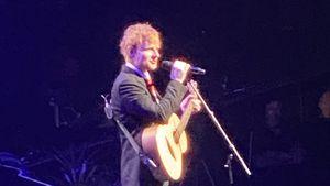 Ed Sheeran sang bei Michael Gudinskis Begräbnis unter Tränen
