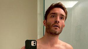 Mit Smoothie in der Hand: Ed Westwick zeigt sich nackt!