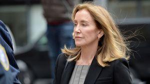 Nach Schuld-Geständnis: Felicity Huffman bei Schulaufführung