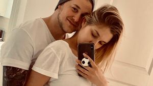 So süß gratulieren die Promis Felix van Deventer zum Baby!
