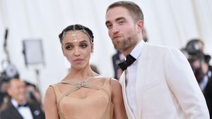FKA Twigs und Robert Pattinson in New York 2016