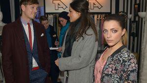 Florian Strauß (Martin Tietjen), Jasmin (Janina Uhse) und Emily (Anne Menden)