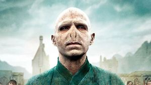 Harry Potter: Das trägt Lord Voldemort drunter!